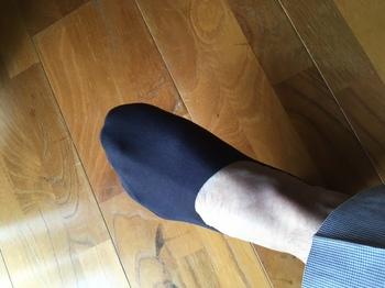 脱げない靴下黒1.jpg